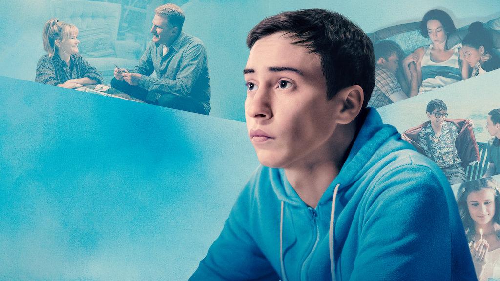 Capa da Série Atypical, a imagem destaca o personagem principal da série em um fundo azul.